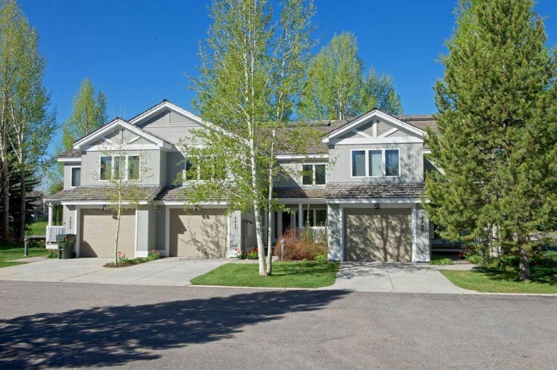 3br/3.5ba Teton Pines Townhome 7 - Image 1 - Wilson - rentals