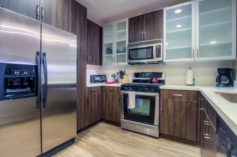 ALLURING FURNISHED 1 BEDROOM 1 BATHROOM APARTMENT - Image 1 - Los Angeles - rentals