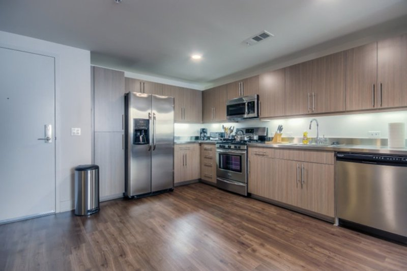 WONDERFULLY FURNISHED 1 BEDROOM, 1 BATHROOM APARTMENT - Image 1 - Los Angeles - rentals