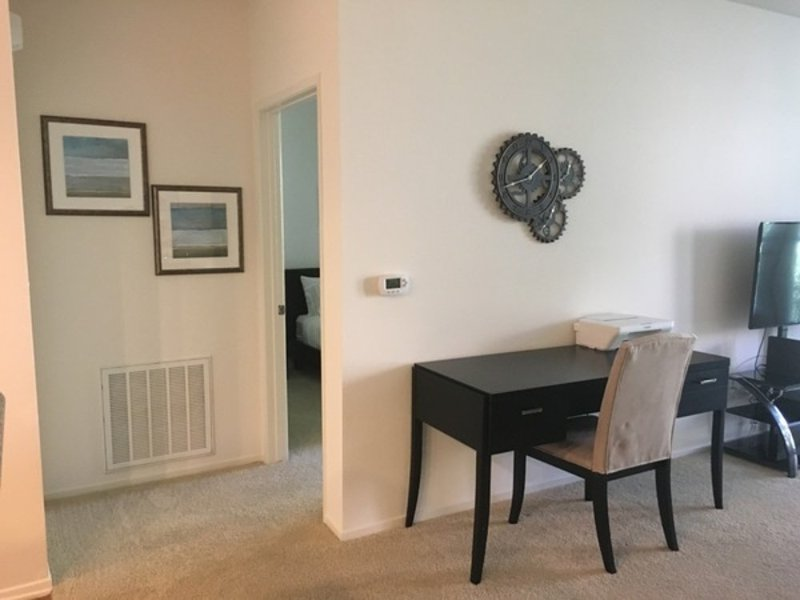 CHARMING, CLEAN AND COZY 1 BEDROOM, 1 BATHROOM APARTMENT - Image 1 - Irvine - rentals