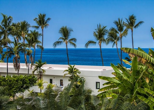 Great Ocean Views From Lanai - Paradise Found! Rare Oceanview Royal Sea Cliff Studio condo--Just renovated-RSC 429 - Kailua-Kona - rentals