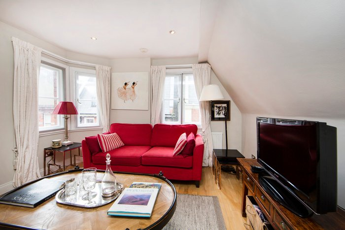 Delightful and cosy apartment 0.2miles to Kensington High Street tube station. - Image 1 - London - rentals