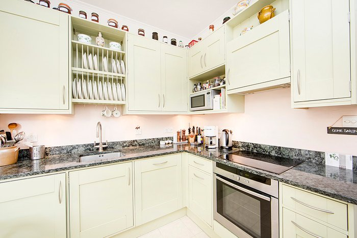Superior one bed apartment in a stunning period building and just minutes to Earls Court - Image 1 - London - rentals