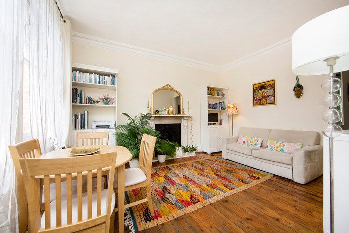 Quaint one bed apartment located in West Kensington, two minutes to nearest tube - Kensington Olympia - Image 1 - London - rentals