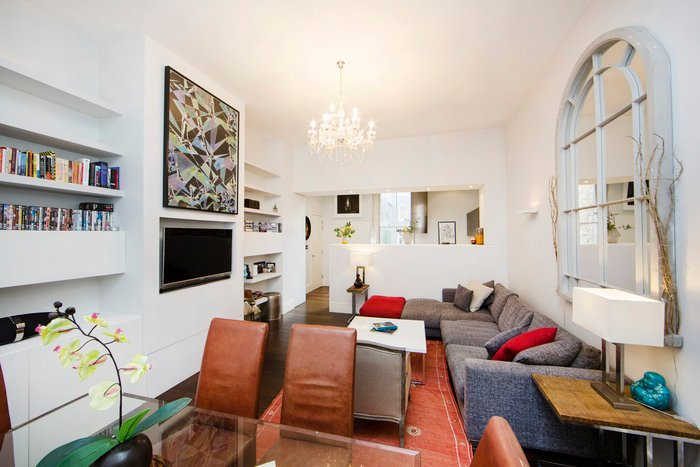 Spacious one bedroom holiday apartment with high ceilings & wood floors located just 3 minutes walking to nearest transport hub. - Image 1 - London - rentals