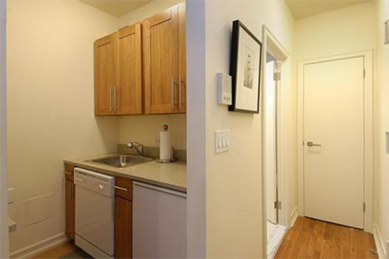 Furnished Studio Apartment at 2nd Ave & E 74th St New York - Image 1 - New York City - rentals