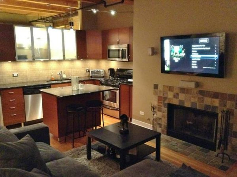 Furnished 1-Bedroom Condo at W Ontario St & N Kingsbury St Chicago - Image 1 - Chicago - rentals