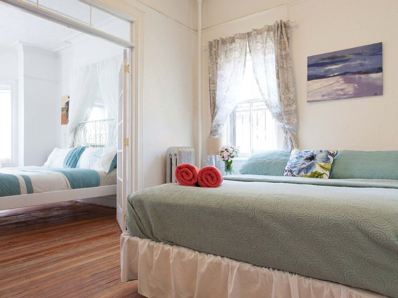 Furnished 4-Bedroom Home at 36th Ave & 30th St Queens - Image 1 - New York City - rentals