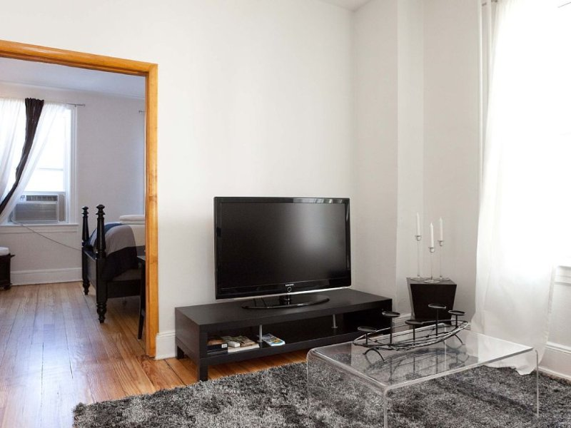 Furnished 2-Bedroom Home at 33rd St & 35th Ave Queens - Image 1 - New York City - rentals