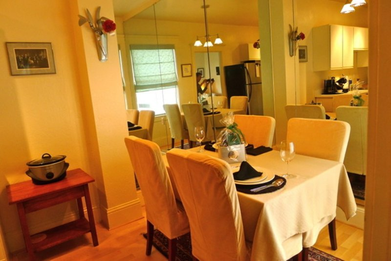 ALLURING AND VIBRANT FURNISHED  APARTMENT WITH A WONDERFUL VIEW - Image 1 - San Francisco - rentals
