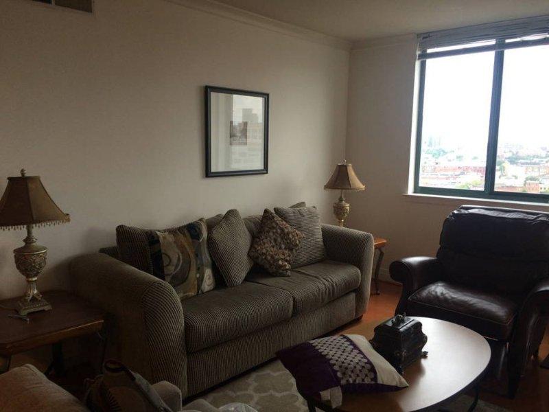 Brilliant 3 Bedroom and 2.5 Bathroom Condo in Baltimore - Image 1 - Baltimore - rentals