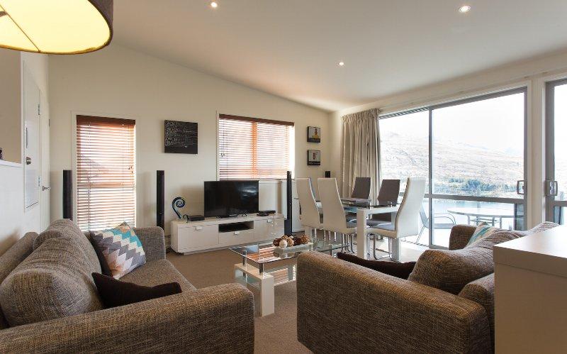 Living Area - Goldrush Holiday Home #1 -  Queenstown NZ - Queenstown - rentals