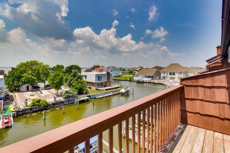 Bay-side condo w/ canal views, seasonal pool & dock access - Image 1 - Ocean City - rentals