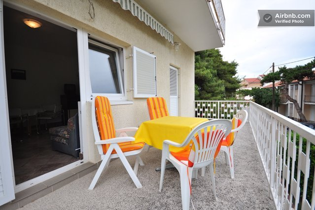 Nice apartment excellent peaceful location yust 200m  to the beach - Image 1 - Biograd - rentals