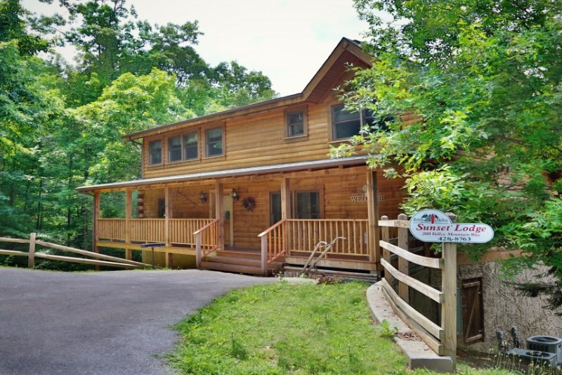 Sunset Lodge - Image 1 - Sevierville - rentals