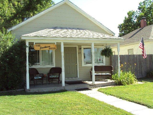 The Jackson Suite St. Francis, KS Guest House - Image 1 - Saint Francis - rentals
