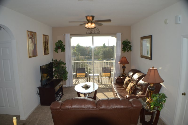 Windsor Hills 3/2 Family Condo 2 miles 2 Disney! - Image 1 - Kissimmee - rentals