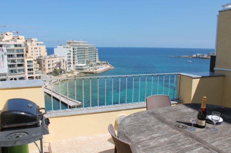 St Julian`s  seafront penthouse - Image 1 - Saint Julian's - rentals