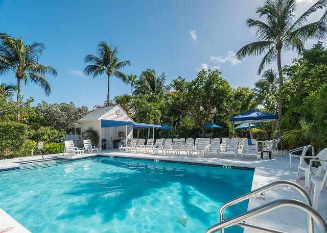 SEASHORE AT THE SHIPYARD - Adorable Shipyard condo w/ private parking - Image 1 - Key West - rentals