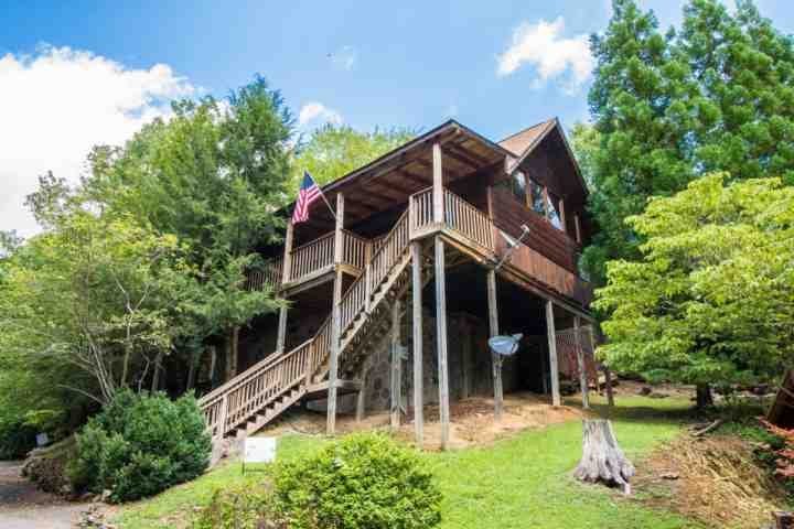 Welcome to Marietta's Dream, a beautiful two bedroom cabin just minutes from Pigeon Forge! - Cozy & Pet Friendly Cabin - Close to Attractions - Perfect Smokies Getaway! - Sevierville - rentals
