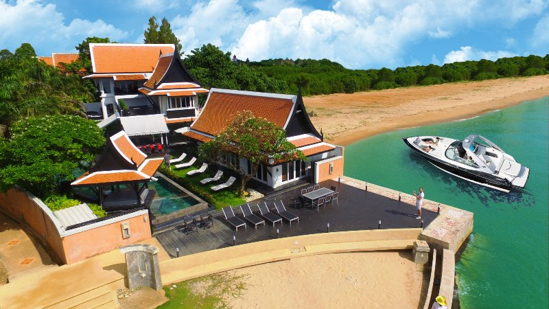 Luxury Beach Villa with 6 bedroom on the beach - Image 1 - Pattaya - rentals