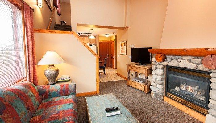 The 1 bedroom + loft condo has an open-concept floor plan - Fernie Lizard Creek Lodge 1 Bedroom + Loft Condo - Fernie - rentals