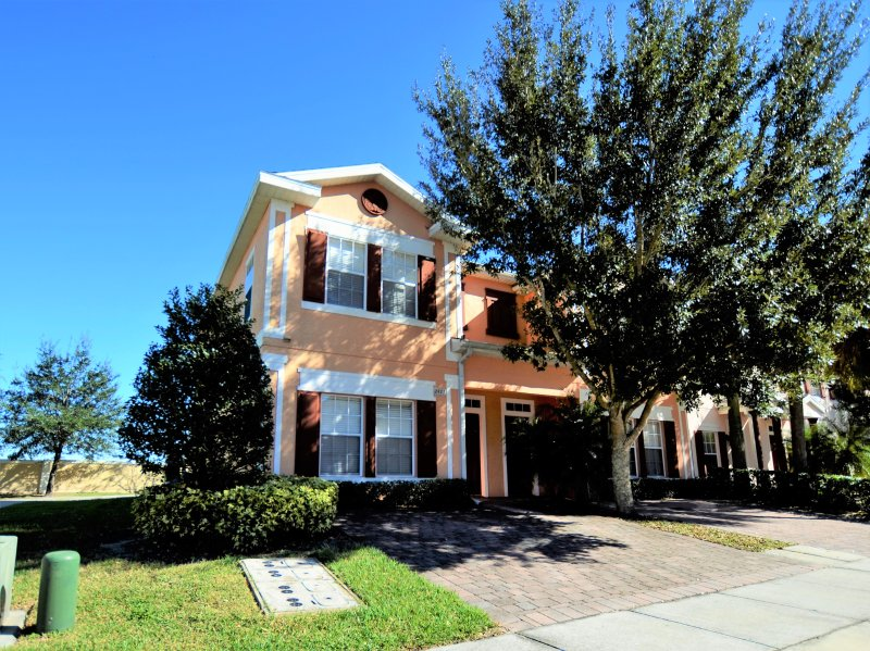 Front View of the Property - Close to Disney,Seaworld,4br Townhome with Hot Tub - Kissimmee - rentals