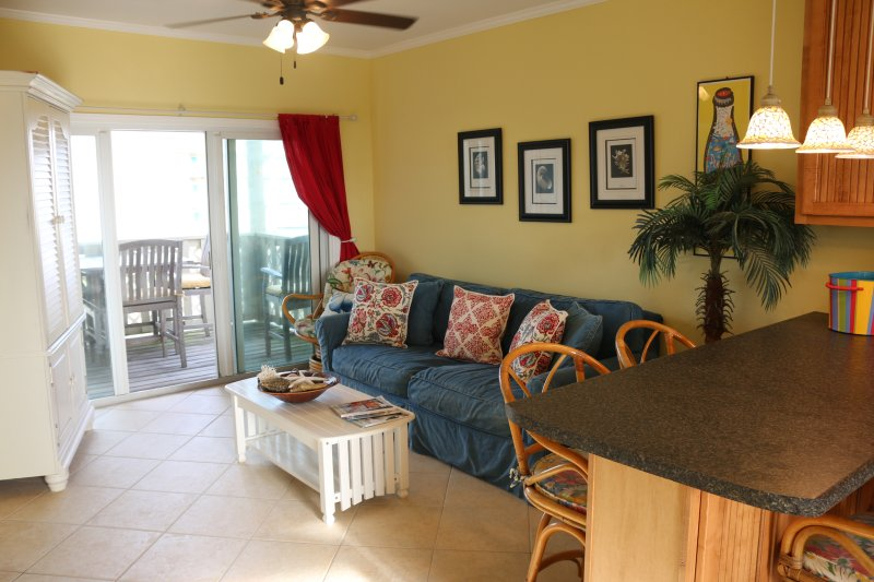 Cute, fun and clean. - Sun and Fun at Great Prices - Walk to Beach - Pensacola Beach - rentals