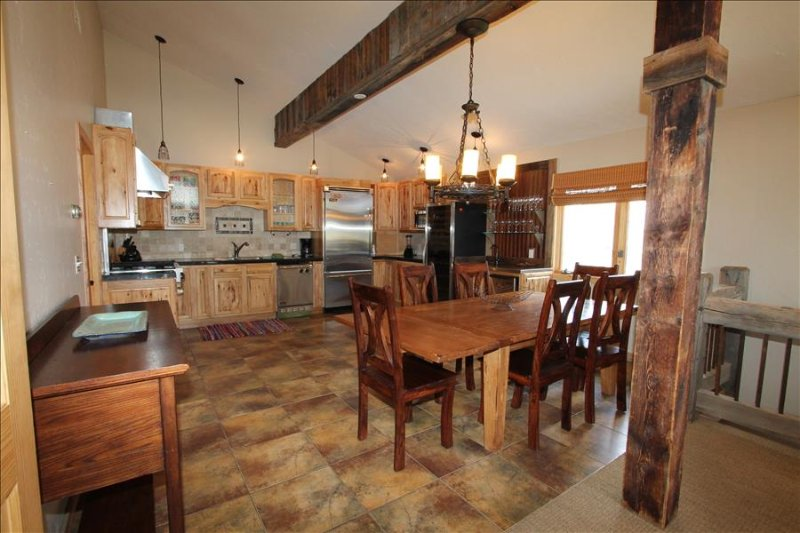5 BR condo in CB!  Great location!  Across from Rainbow Park. - Image 1 - Crested Butte - rentals