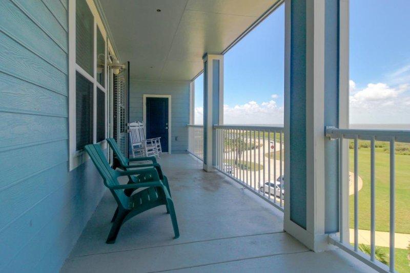 Dog-friendly bayfront condo w/ balcony, close to pools and hot tubs! - Image 1 - Galveston - rentals