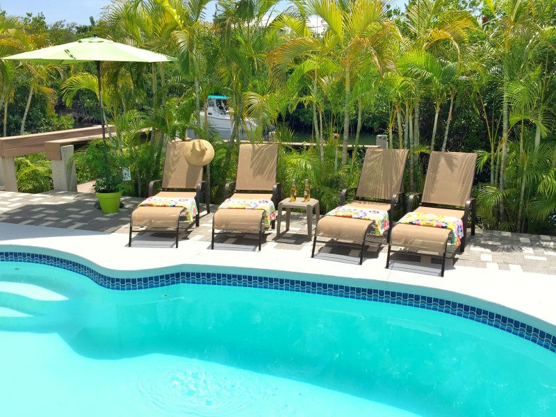 P27 Sunsplash Paradise - Pool home with private beach access! - Image 1 - Key Colony Beach - rentals