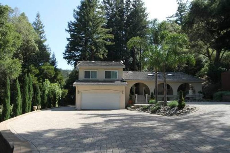 LOVELY HOME WITH 3 BEDROOMS 3 BATHS IN LOS GATOS MOUNTAINS - Image 1 - Los Gatos - rentals