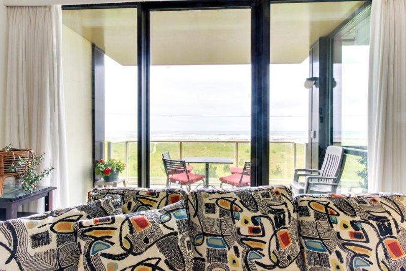 Second-floor, oceanfront condo w/ community pool & sauna! - Image 1 - Seaside - rentals