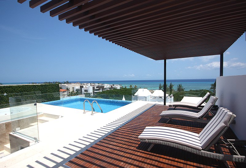 Pool at the rooftop with an incredible view of the Caribbean Sea - BRAND NEW steps to the beach 2 BDR - Special Price - Playa del Carmen - rentals
