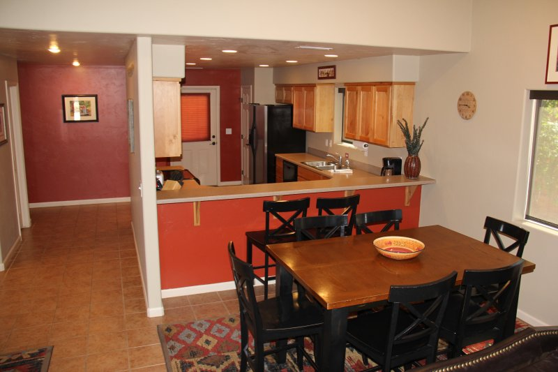 Large open living space, great for groups! - LUNA VISTA - NEW LISTING!  POOL/HOT TUB/PARKING - Moab - rentals