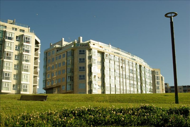 """Luxurious apartment opposite """"The Tower of Hercules"""" in A Coruña - Image 1 - Cambre - rentals"""