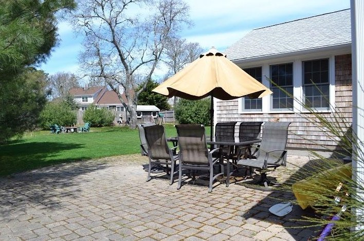 082-H - Outdoor Living Space to Spare, Walk to Beach:082-H - West Harwich - rentals
