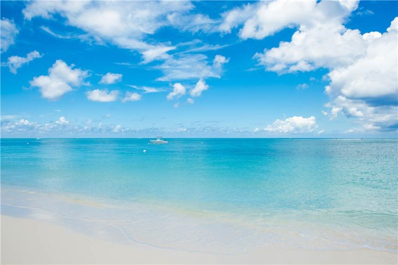 Lacovia #6 - Image 1 - Grand Cayman - rentals