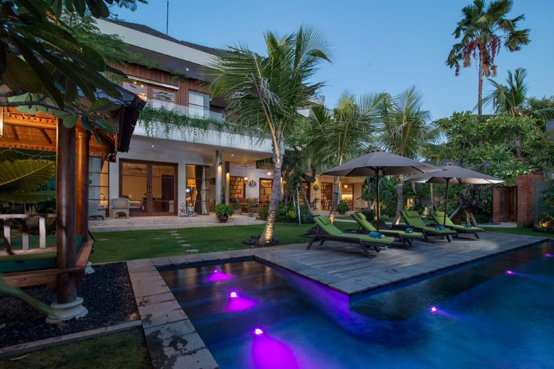 Newly Renovated 4 Bedroom Villa, Walking Distance to Kudeta - Image 1 - Seminyak - rentals
