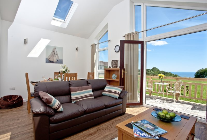 Violet, Stoneleigh Village located in Sidmouth, Devon - Image 1 - Sidmouth - rentals
