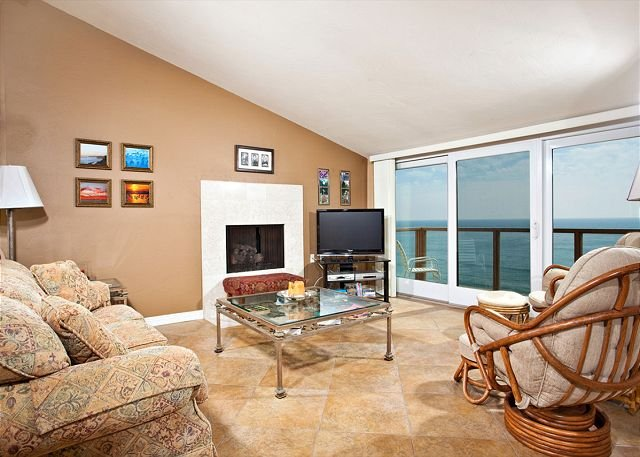 Livng room view - 2 Bedroom, 2 Bathroom Vacation Rental in Solana Beach - (SUR73) - Solana Beach - rentals
