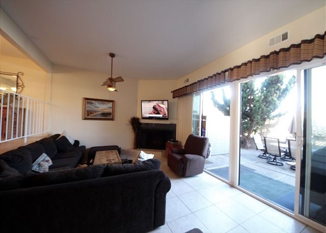 3 Bedroom, 2 Bathroom Vacation Rental in Solana Beach - (DMBC148NS) - Image 1 - Solana Beach - rentals