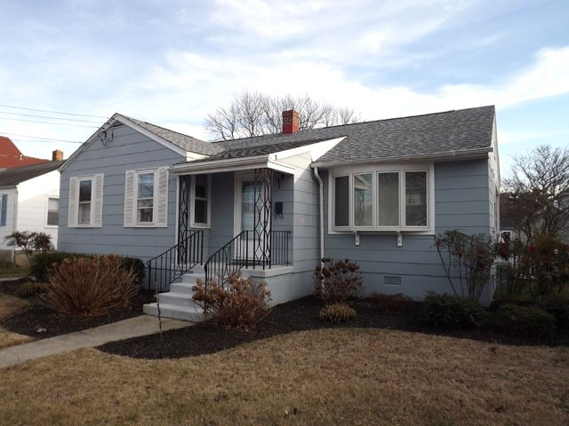 Pet Friendly Cottage near Beach 131417 - Image 1 - Cape May - rentals