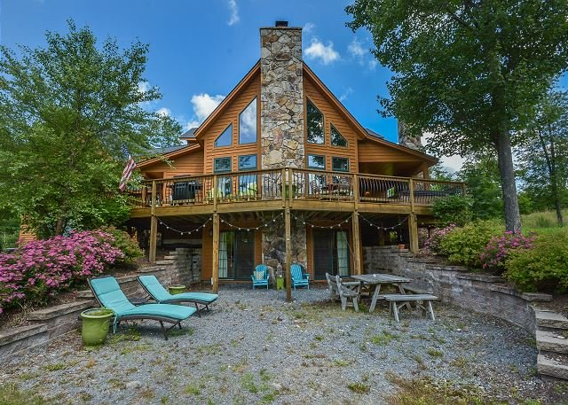 Exterior - Unique Mountaintop Home with Lots of Amenities! - McHenry - rentals
