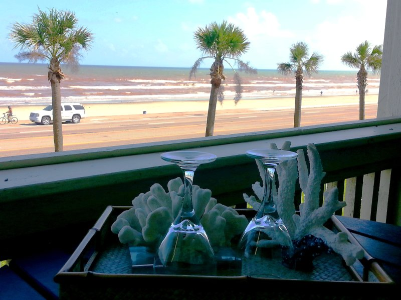 Beach and Ocean front condo rental in Galveston, Texas - 1 bdrm; Gorgeous OCEAN AND BEACH VIEW FROM BALCONY; Hot Spa and Swimming Pools! - Galveston Island - rentals