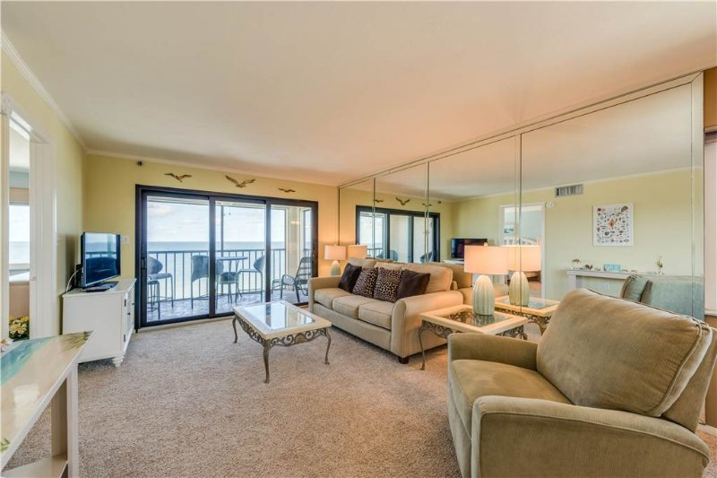 Cascades #503, 3 Bedrooms, Gulf Front, Elevator, Heated Pool, Sleeps 6 - Image 1 - Fort Myers Beach - rentals
