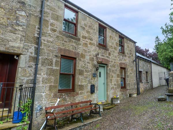 THE OLD DOCTOR'S COTTAGE, WiFi, pet-friendly, ground floor bathroom, Douglas, Ref 932065 - Image 1 - Douglas - rentals