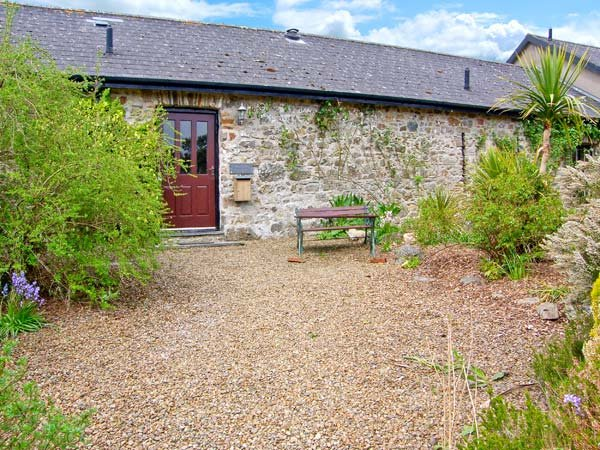 4 ROGESTON COTTAGES, woodburner, romantic retreat, contemporary furnishings and traditional features, near Broad Haven, Ref 936950 - Image 1 - Broad Haven - rentals