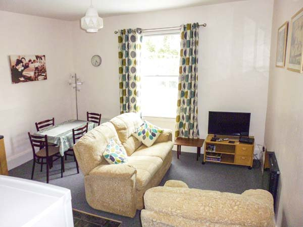 HARLEY APARTMENT, first floor apartment, ideal touring base, plenty to see and do, in Bishops Castle, 940775 - Image 1 - Bishops Castle - rentals