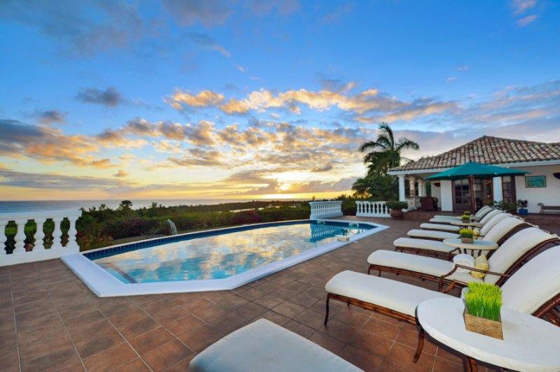 Mer Soleil... 5BR Vacation Villa, Terres Basses, St Martin 800 480 8555 - MER SOLEIL...  enjoy beautiful sunset views of the Caribbean , La Samanna Hotel and Baie Long Beach - Terres Basses - rentals